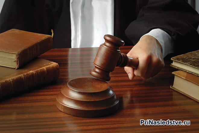 Судья за своим рабочим местом